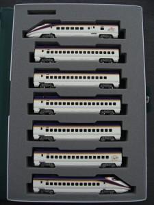 KATO 10-1255 E3系2000番台山形新幹線「つばさ」新塗色 7両セット 店頭並びました!
