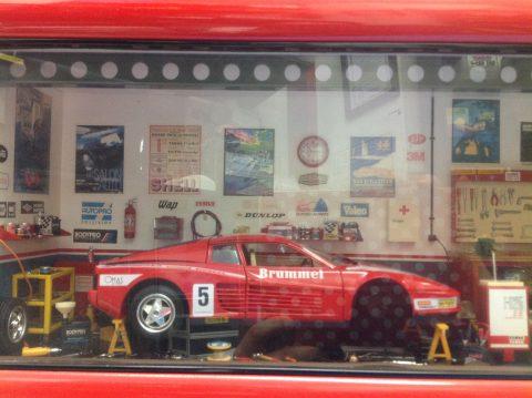 フェラーリ テスタロッサ ジオラマガレージを買い取りしました!